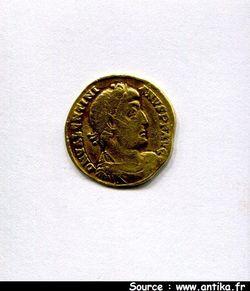 VALENTINIEN 364-375 AP JC - SOLIDUS OR ROME 364  SMNE NICOMEDE R